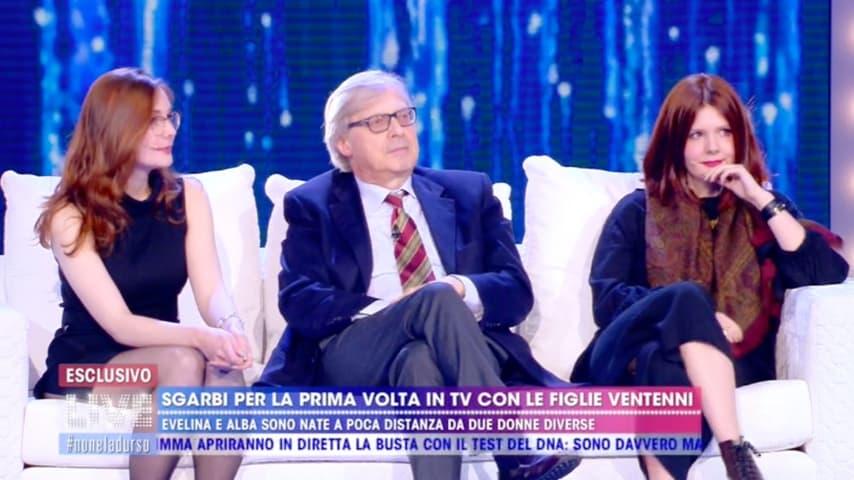 Vittorio Sgarbi insolito papà, le figlie: \