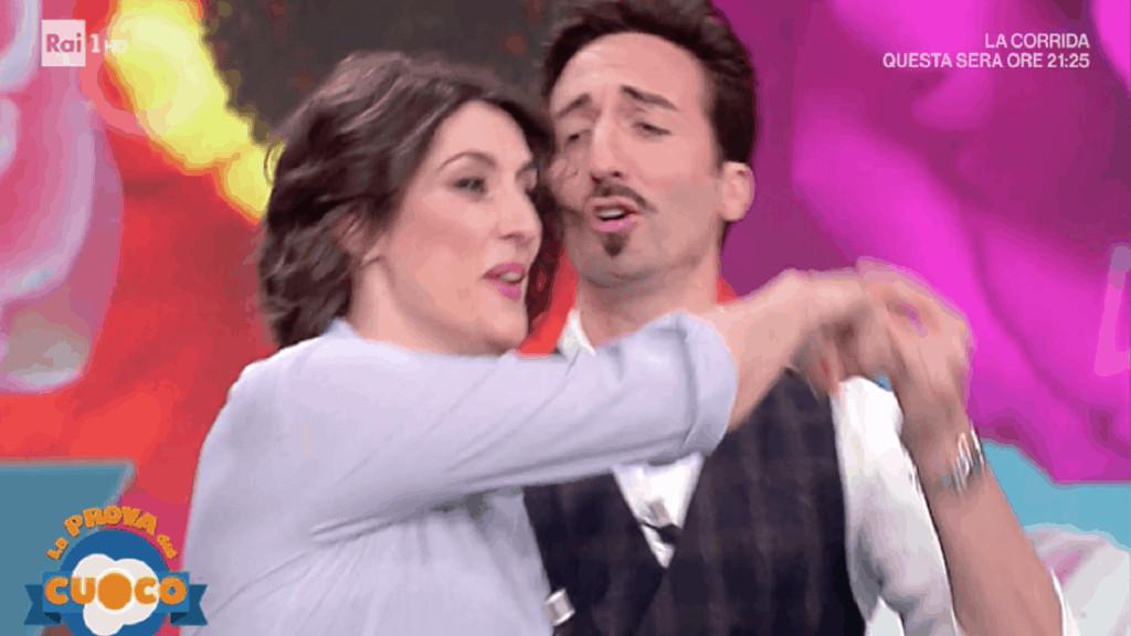 Elisa Isoardi Samuel Peron ballo