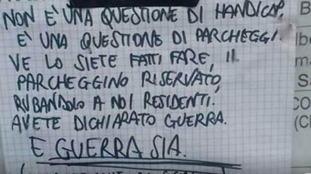 Cartello di minaccia ai disabili a Cremona