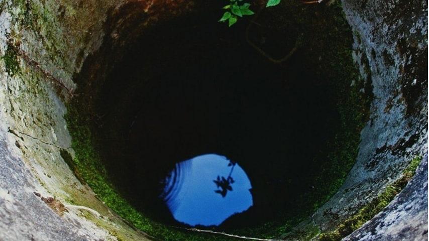Livorno, bambina cade dentro una cisterna piena d'acqua