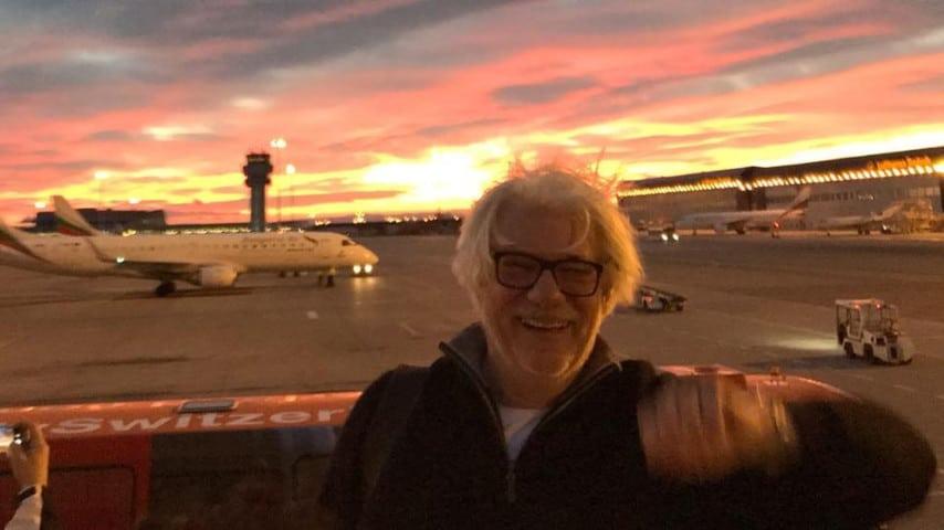 Ricky Tognazzi di fronte ad un tramonto