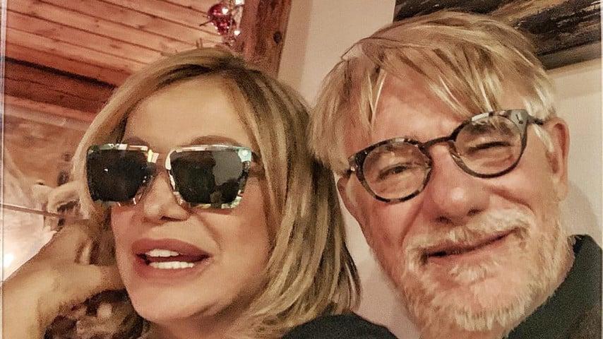 Ricky Tognazzi abbracciato a sua moglie, Simona Izzo