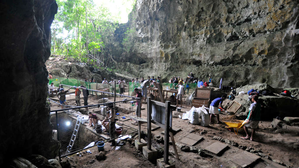 foto scavi nella grotta di Callao