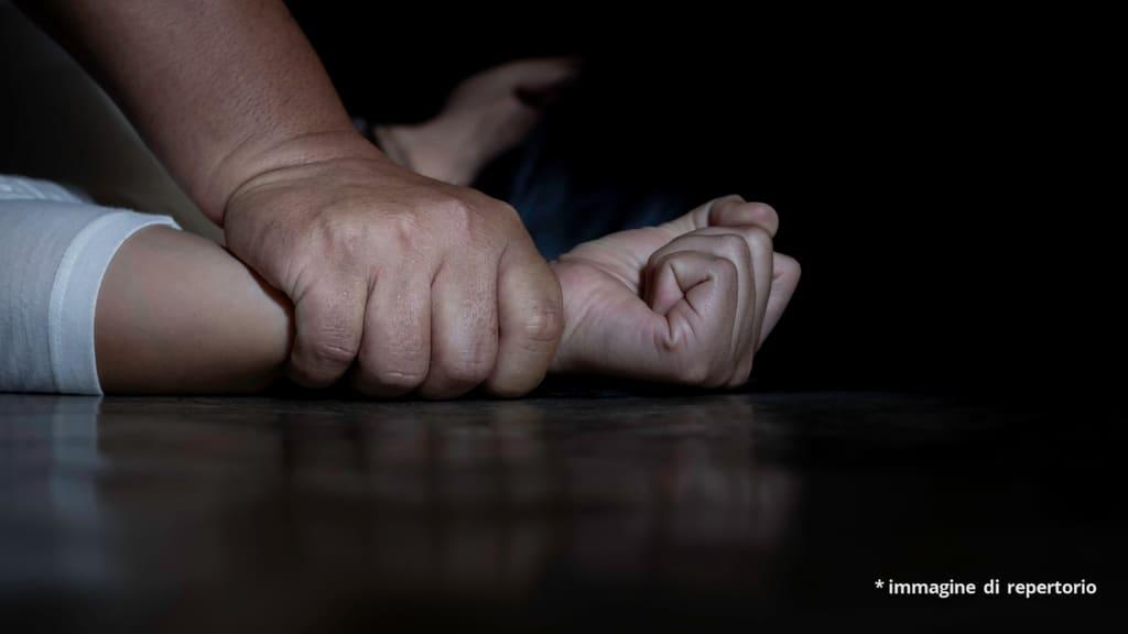 donna vittima di aggressione