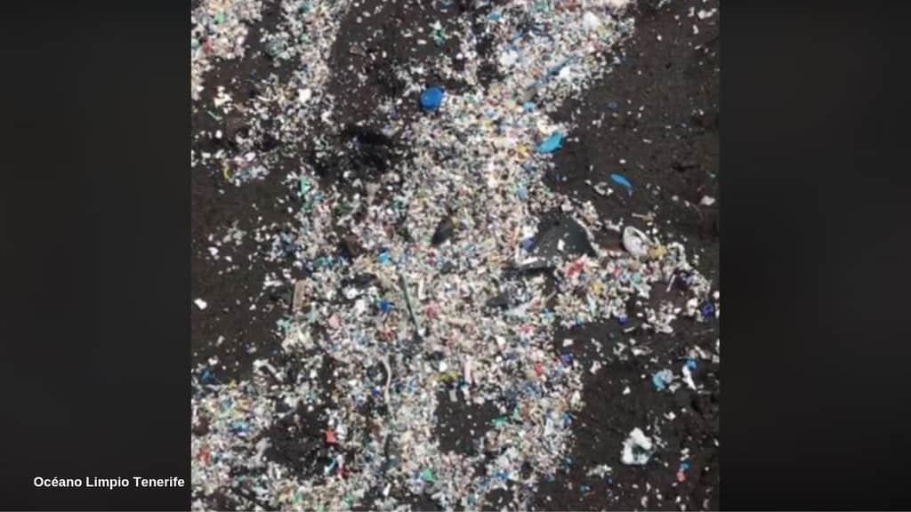 Tenerife: la spiaggia invasa dai rifiuti
