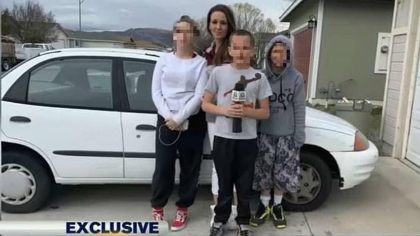 Famiglia Preston in tv con la macchina nuova