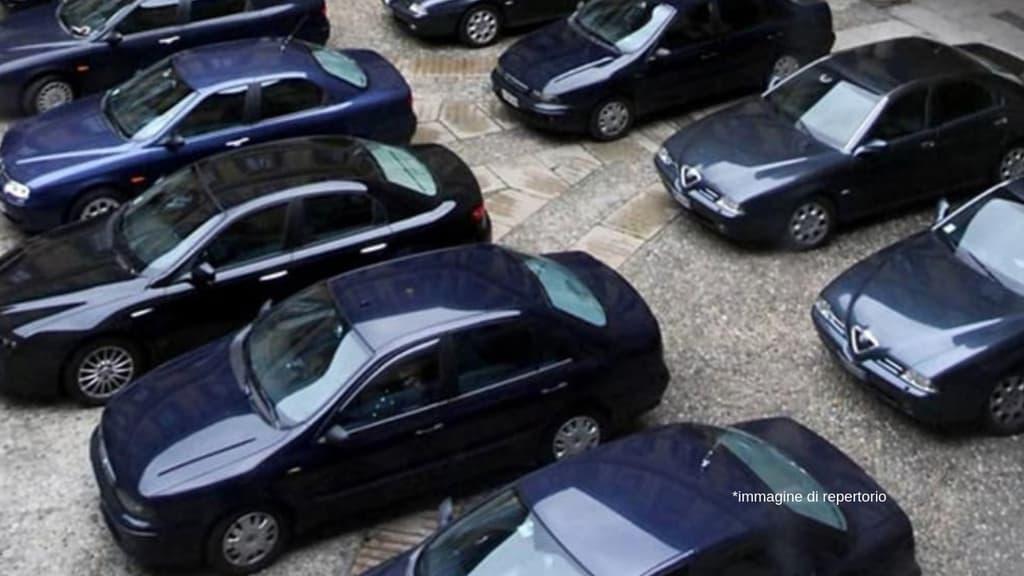 Auto di Stato una su 10 blu, e la spending review