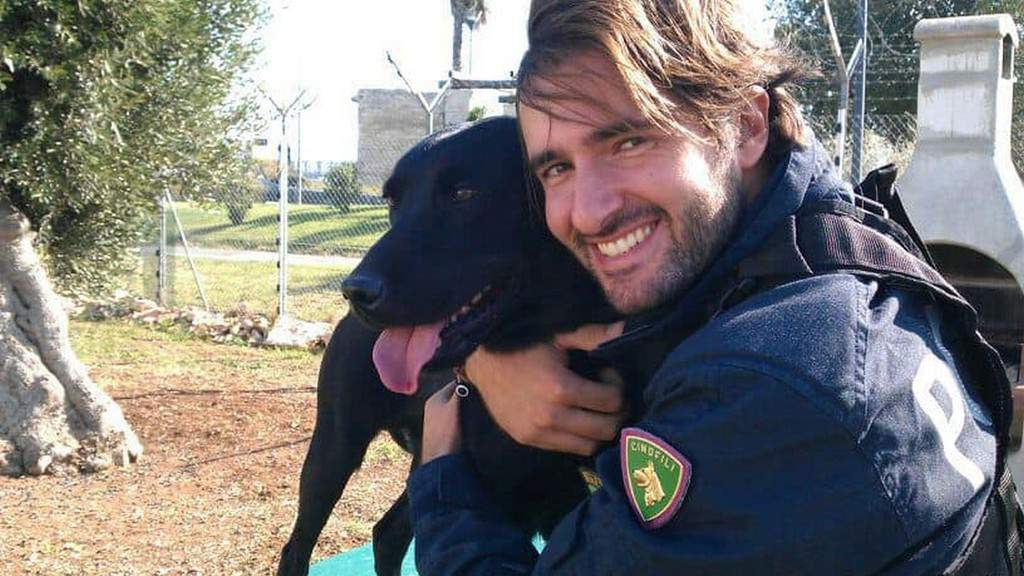 Addio A Gino Il Cane Poliziotto Specializzato Nella Ricerca Di