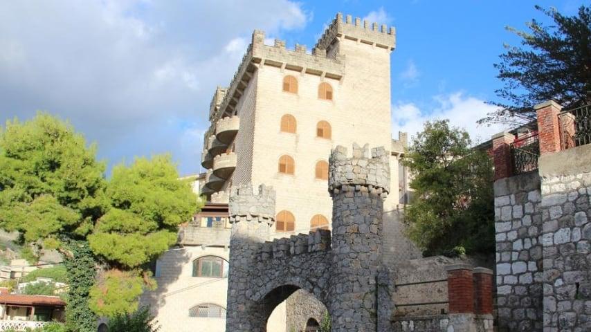 Hotel il castello di Giuliano. Immagine: Sito Booking