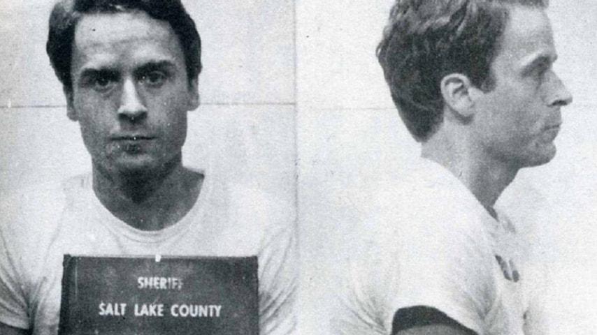 Il serial killer Ted Bundy in arresto (Foto Sheriff Salt Lake County) (2)