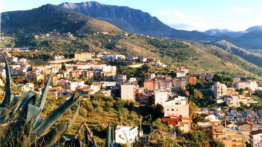 Montelepre, il paese dove operava il finto esorcista con i complici. Immagine: Sito Comune di Montelepre
