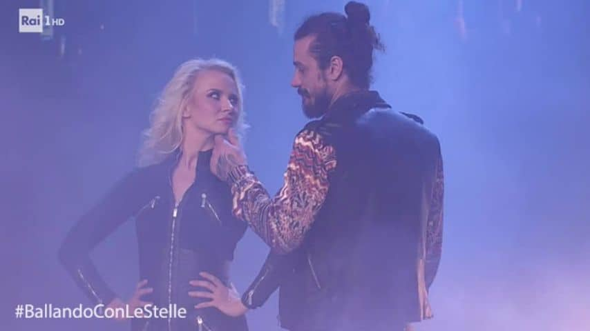 Pablo Daniel Osvaldo e Veera Kinnunen durante una puntata di Ballando con le stelle. Immagine: Ballando con le stelle/Facebook