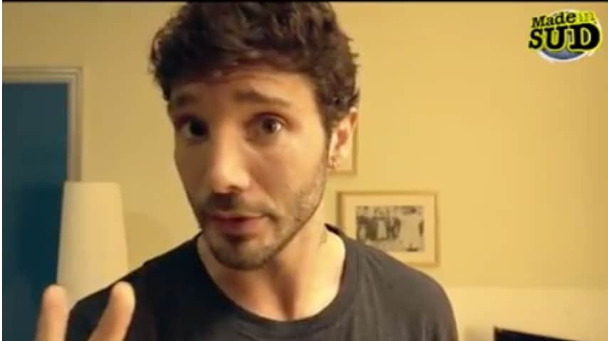 Stefano De Martino durante un video promo per la trasmissione Made In Sud