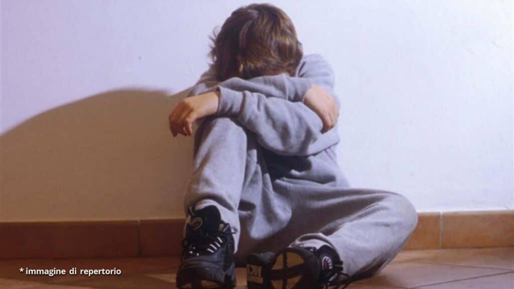 violenza sessuale su un bambino