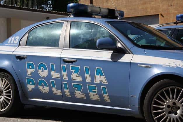 Macchina della polizia di Bolzano dove è avvenuto lo stupro di una 15nne