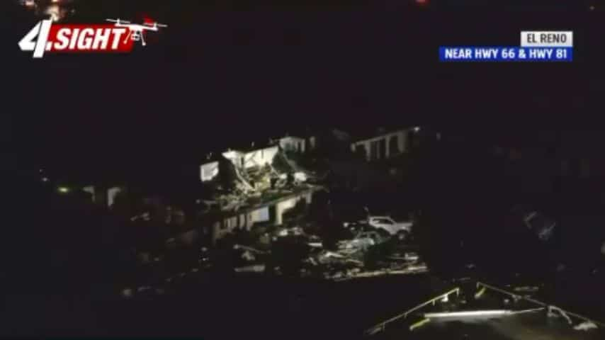 Tornado spazza via un motel in Oklahoma: