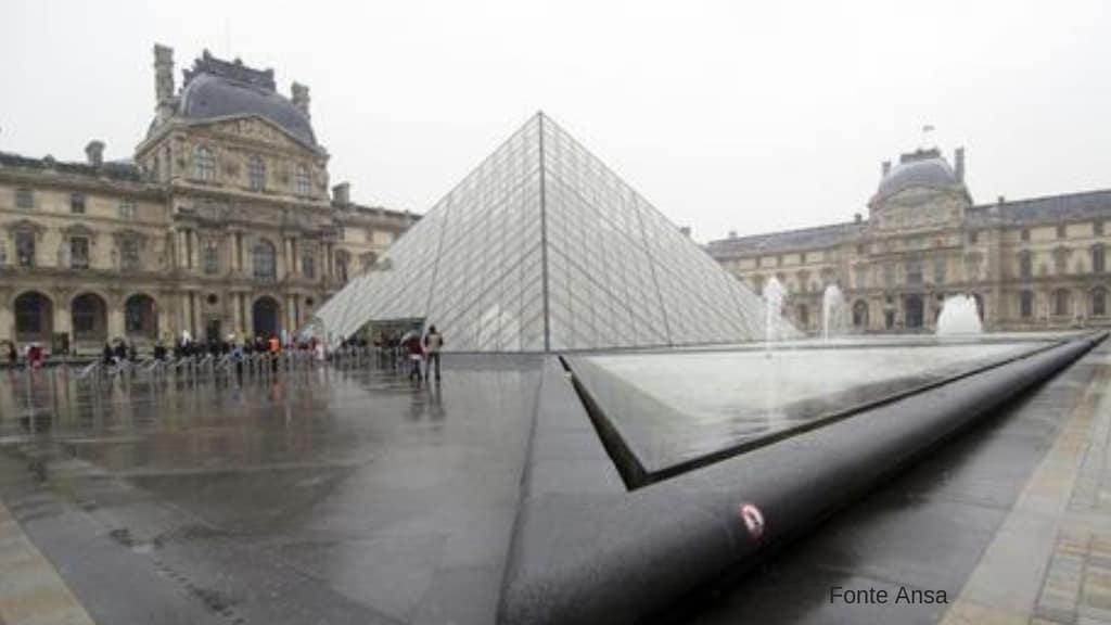 Parigi, autista di pullman schiaccia automobilista dopo una lite