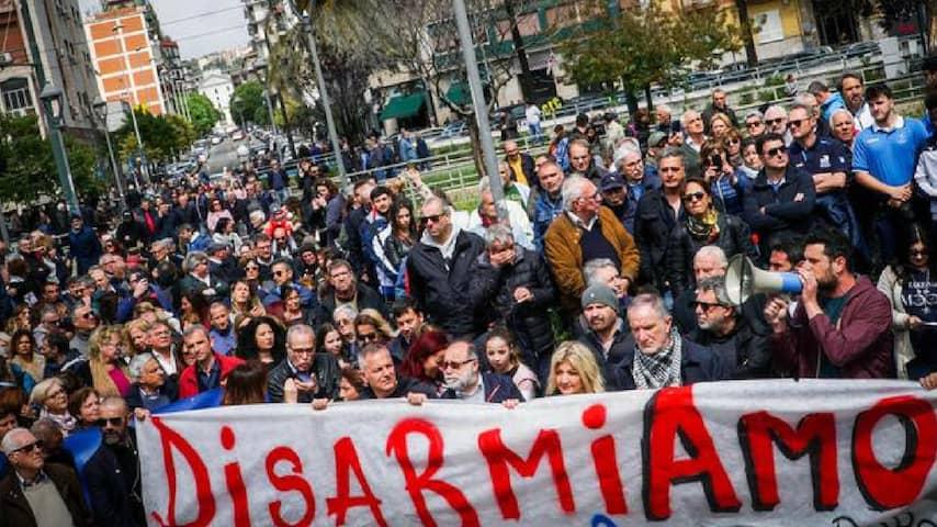 Tante persone oggi sono scese in piazza contro la Camorra e per dare sostegno alla piccola Noemi