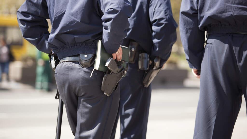 polizia aggredito morso