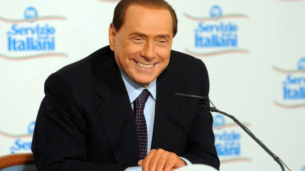 Silvio Berlusconi parla dopo l'intervento