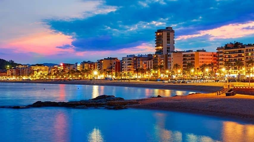 Cittadina turistica di Lloret de Mar. Immagine: Sito Spagna.info