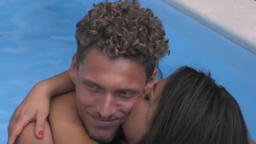 Gennaro Lillio e Francesca De André in piscina proprio in questi giorni. Immagine: Grande Fratello/Facebook