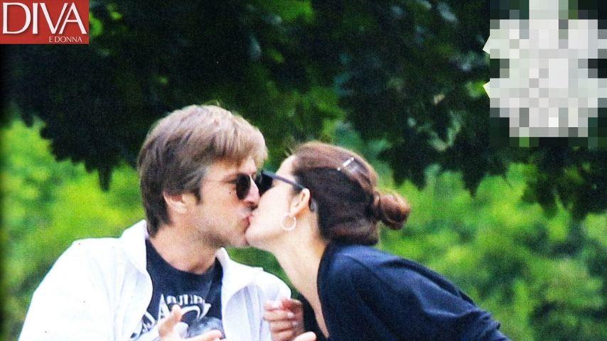 Il tenero bacio di riconciliazione tra i due. Immagine: Diva e Donna