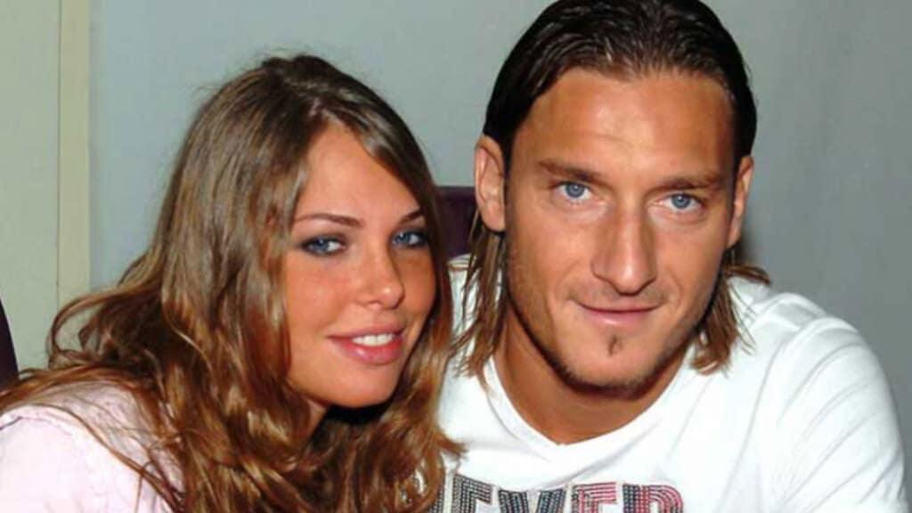 BlasiCome Loro E La Francesco Totti Ilary D'amore Inizia Storia 2YE9WHeID