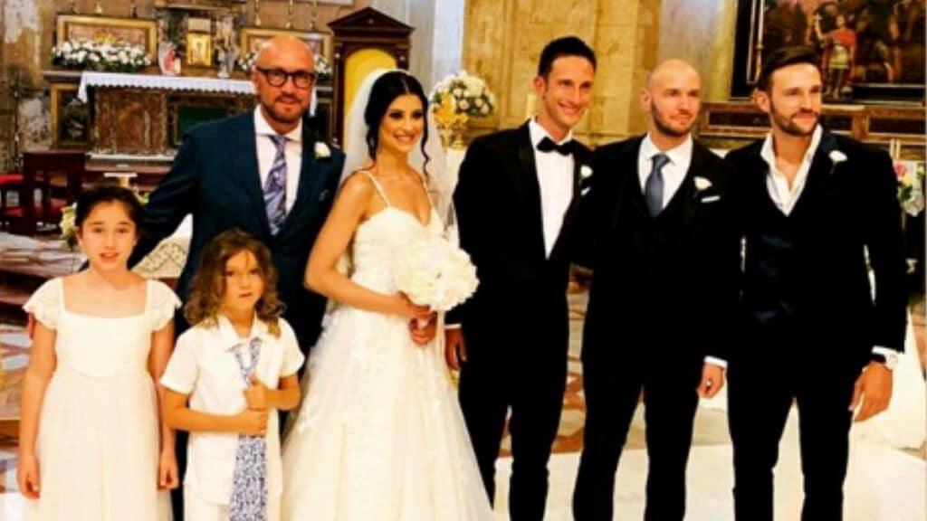 Walter Zenga con sposi e figli