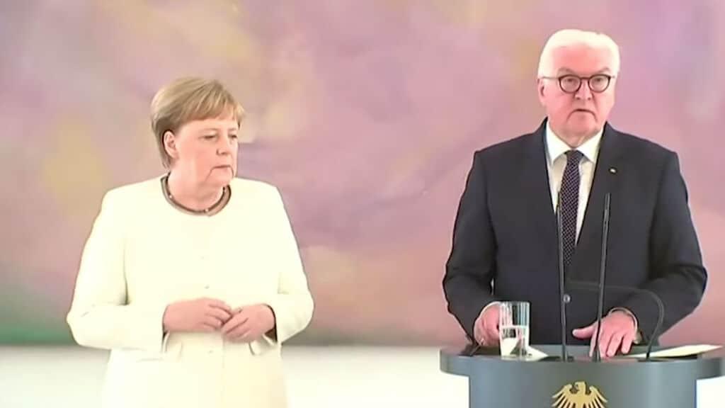 Nuovo episodio di tremore per la Merkel