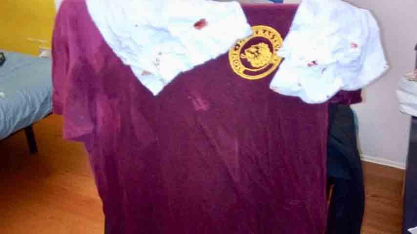 maglietta del Cinema America sporca di sangue