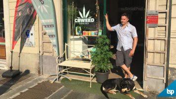 marco paviotti davanti al suo negozio cbweed shop torino
