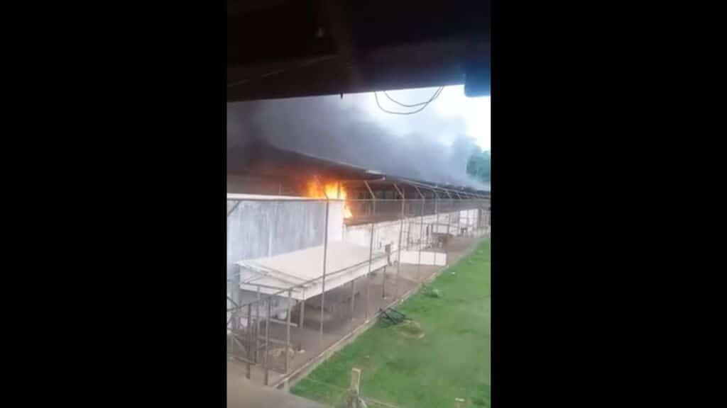 Brasile, rivolta in carcere: 52 detenuti morti, 16 decapitati