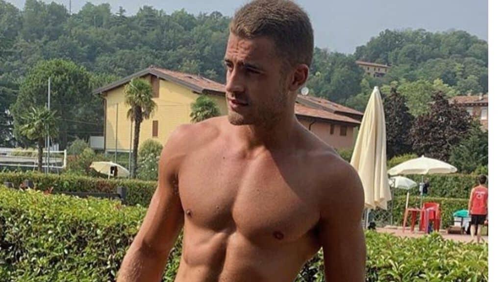 Christian Fregoni a petto nudo
