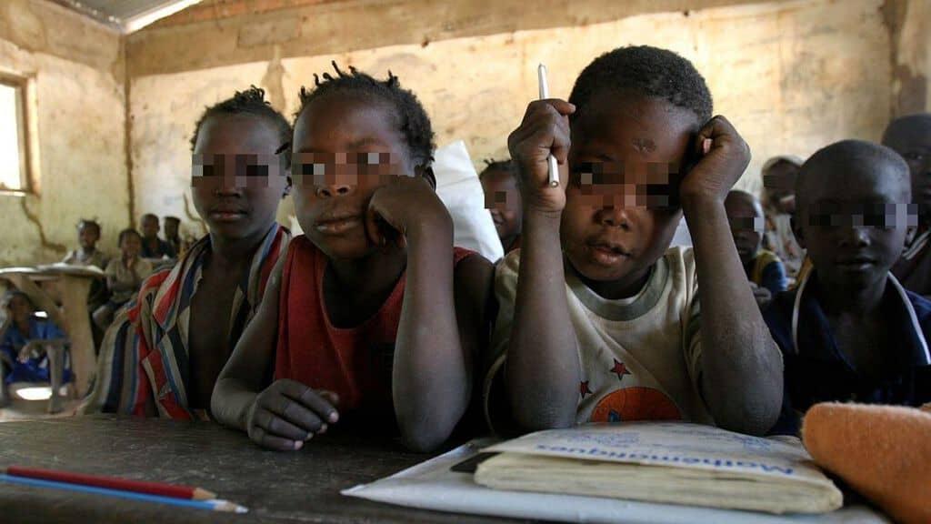 bambini scuola unicef africa