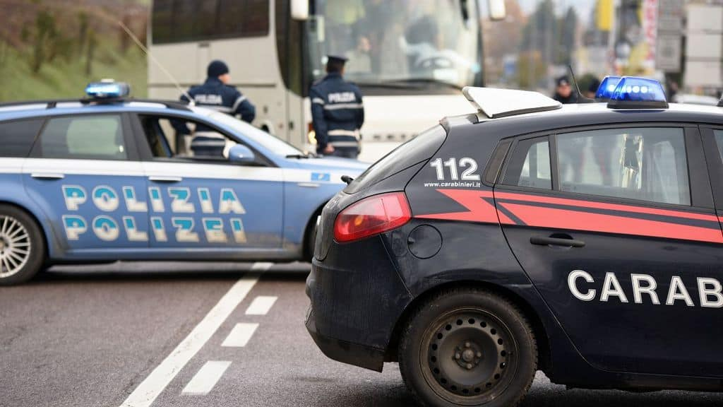 volante carabinieri polizia