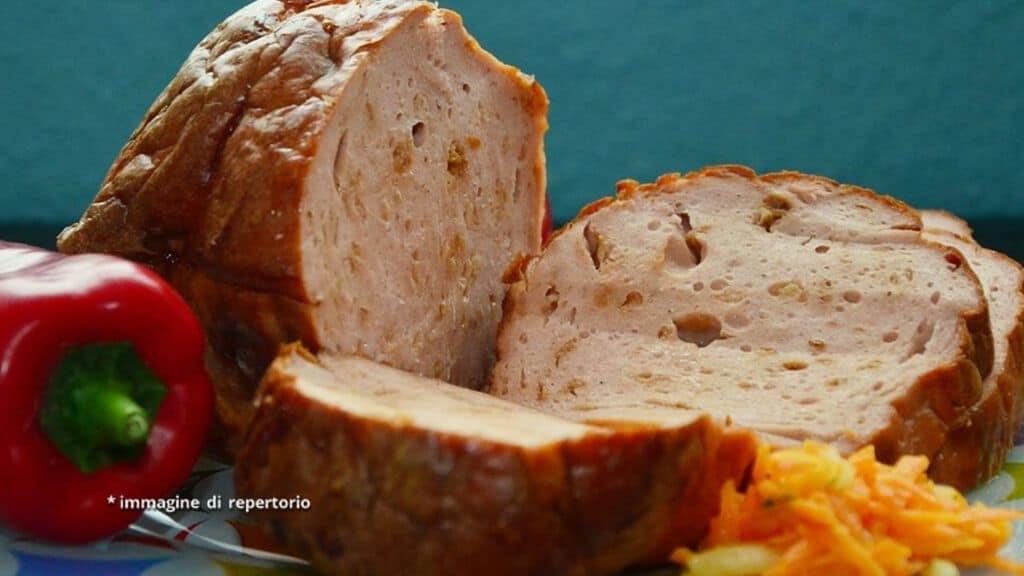 arrosto di carne di maiale mechada affettato