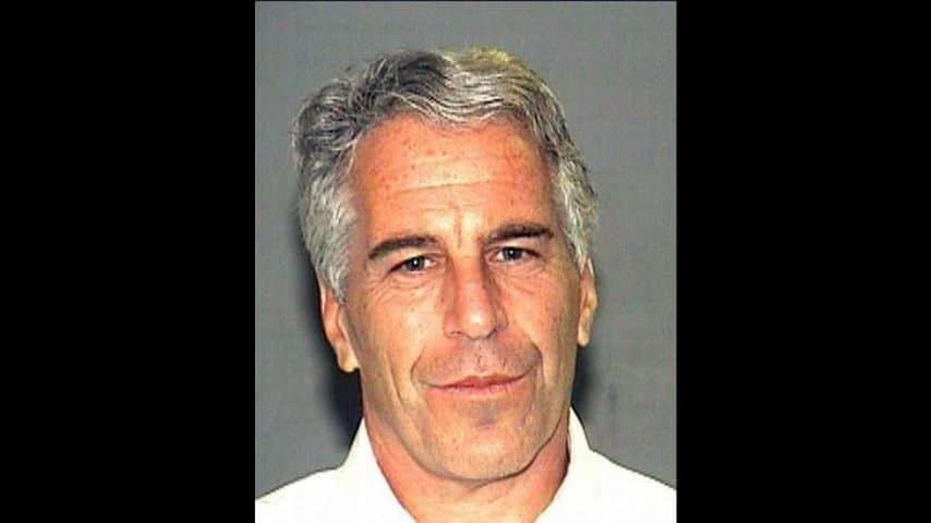 L'autopsia conferma: Jeffrey Epstein si è suicidato in cella
