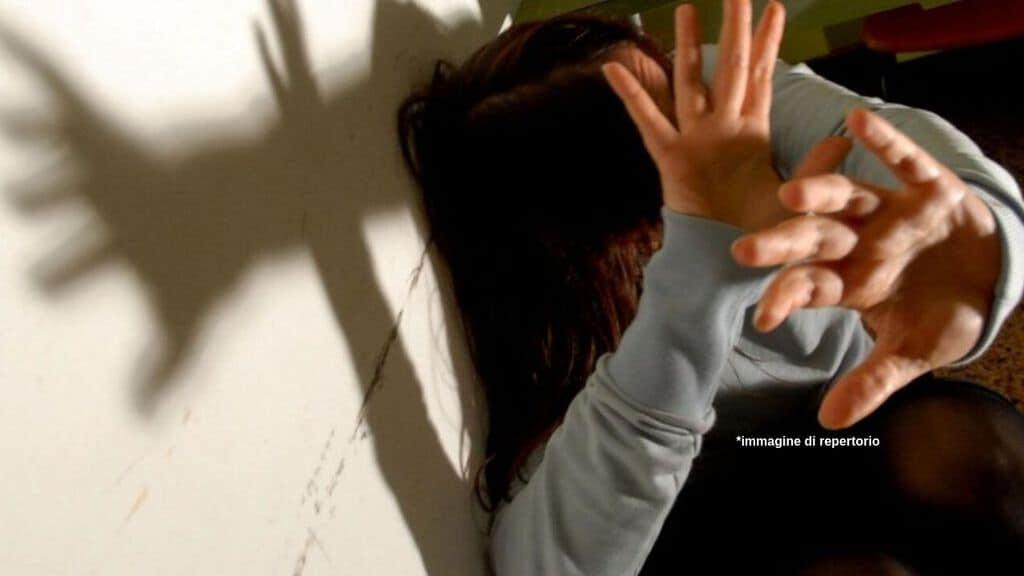 Stupra amica figlia immagine di repertorio