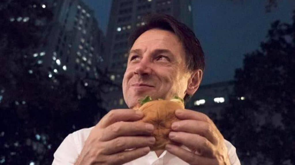 giuseppe conte con l'hamburger
