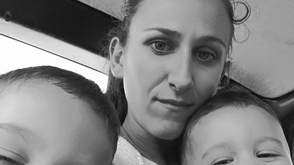 Gloria Pompili insieme ai suoi bambini