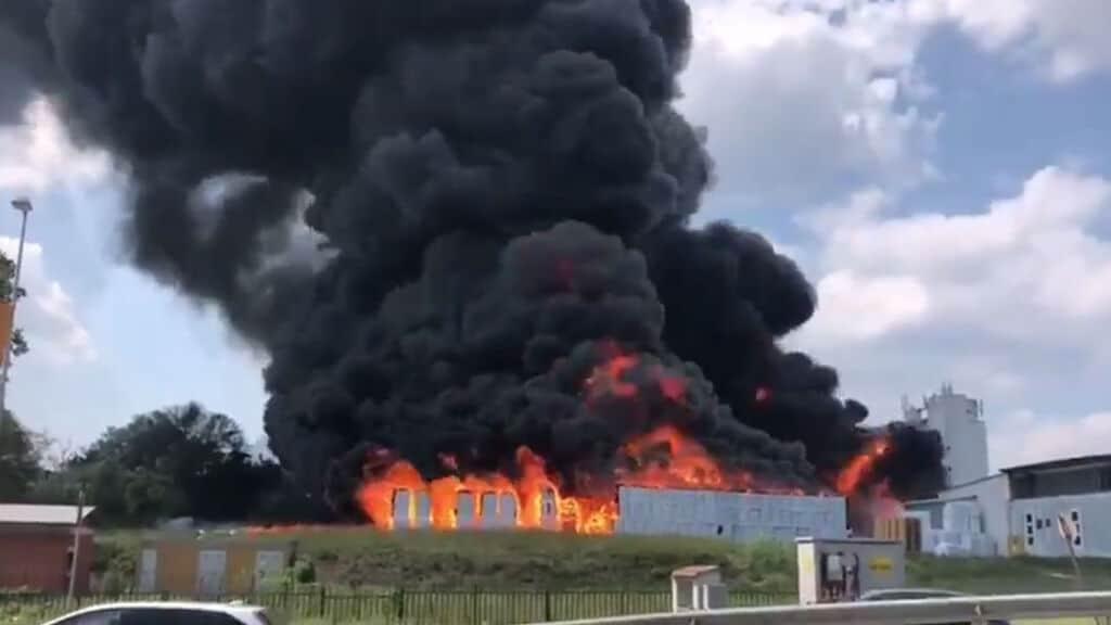 incendio nell'azienda di Avellino
