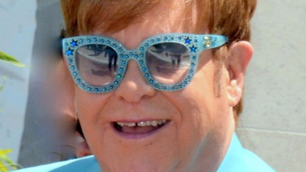 Quella volta che Elton John fu a 24 ore dalla morte