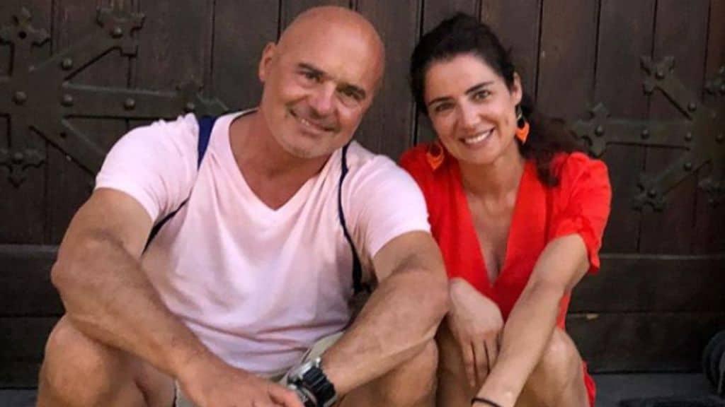 Luca Zingaretti seduto vicino alla moglie Luisa Ranieri
