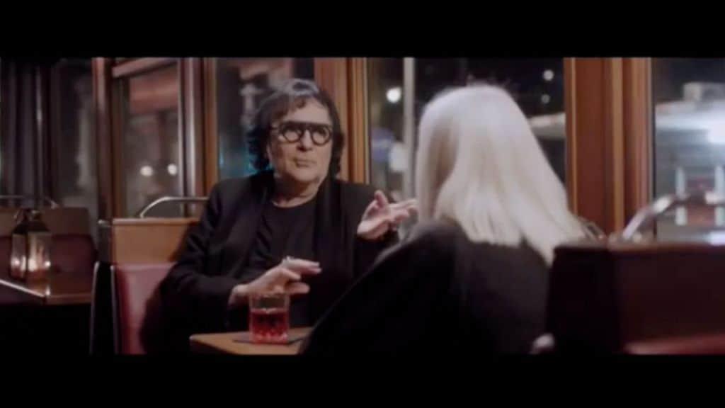 Renato Zero e Raffaella Carrà sul tram