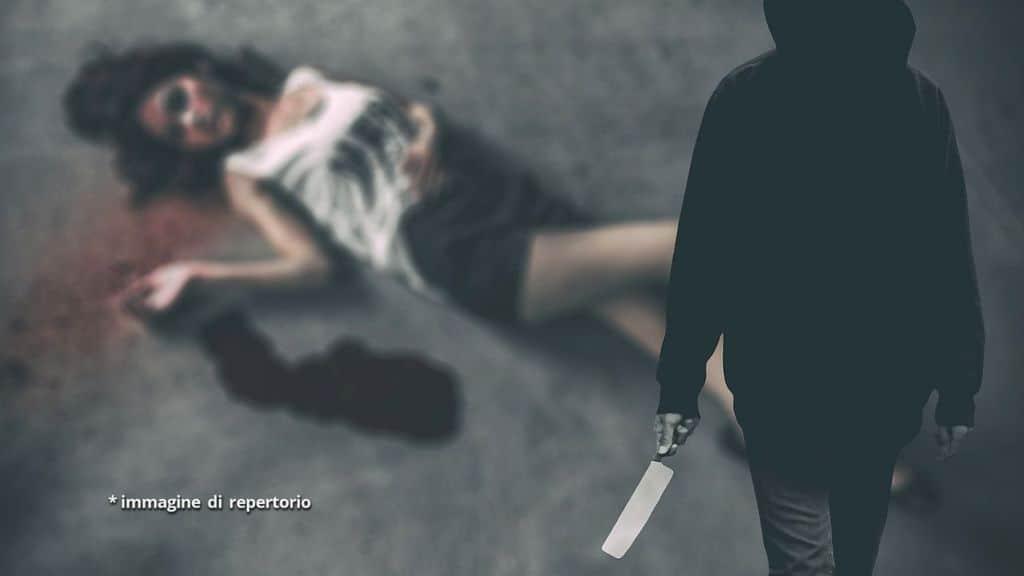 donna uccisa con coltello