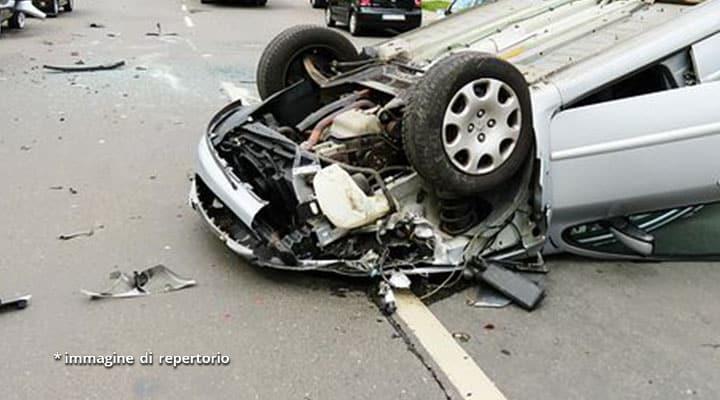 auto distrutta
