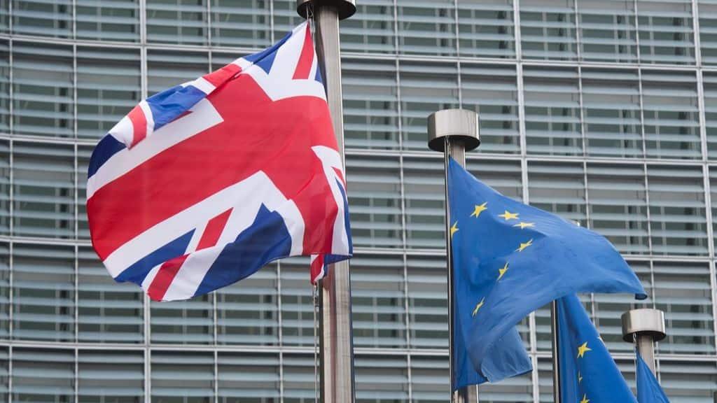 bandiera del regno unito e bandiera dell'europa