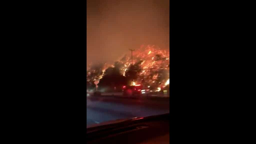 Incendi in California: evacuate 7'000 abitazioni a Los Angeles