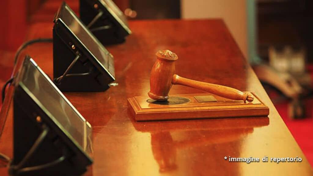 giudice tavolo